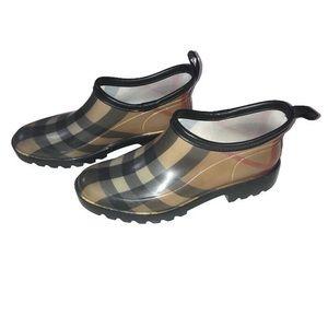 💛 Burberry Plaid Ankle Rain Boots 💛